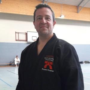 Martin Stett ist nun 2. Dan, Karate